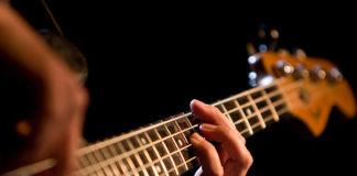 Ukulele – instrument co raz bardziej popularny wśród młodych i starszych