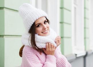 Czapki zimowe na każdą okazję - na co zwrócić uwagę przy kupnie?