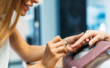 Płyny i preparaty do manicure i pedicure