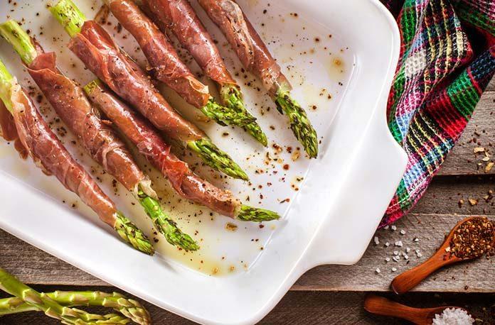 Szparagi z grilla – zobacz, jak je przygotować i z czym podawać