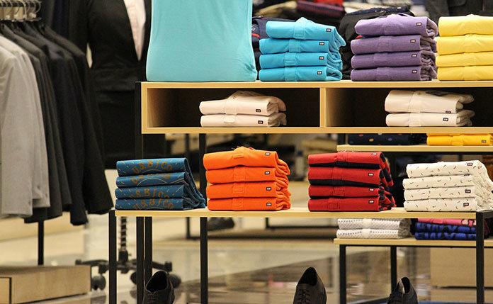 O czym powinniśmy pamiętać przy zakupie ubrań?